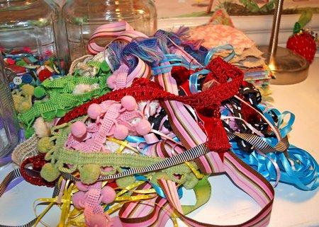 ribbon pile
