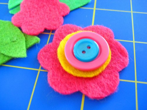 felt flower with buttons