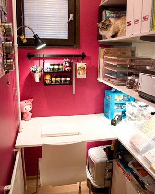 tiny-craft-room-closet