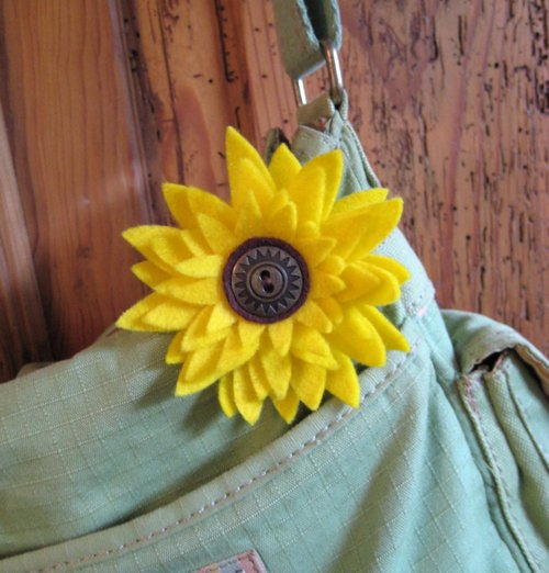 flower on purse 2