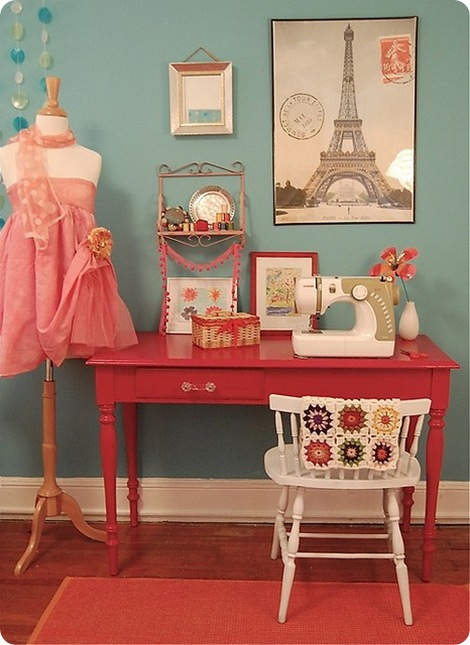 Dreamy sewing tables - Small space sewing area style ...