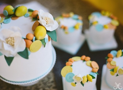 cheerful_button_wedding_bridal_shower-008