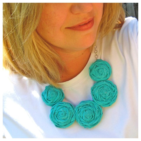 fabric rosette necklace final photo 1
