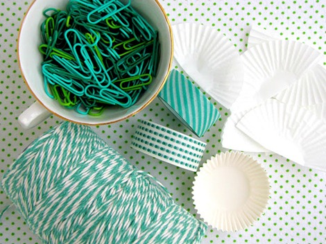simple packaging ideas ~ gift garland ~ EverythingEtsy.com