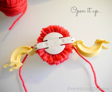Pom pom tutorial - open it up