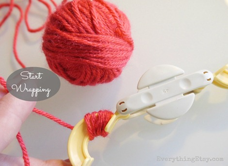 Start wrapping the yarn