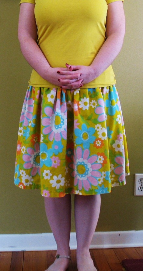 simple sewing tutorials - vintage sheet skirt