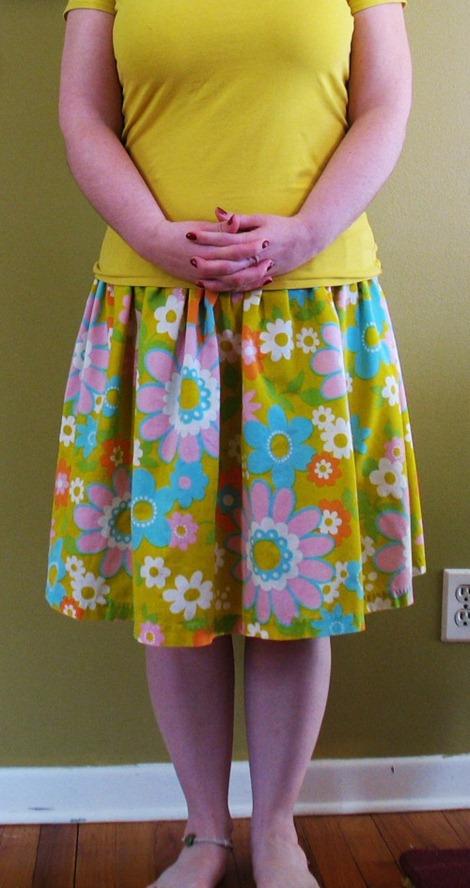 simple sewing tutorials - vintage sheet skirt