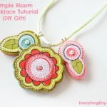 Simple Bloom Necklace Tutorial {DIY Gift}