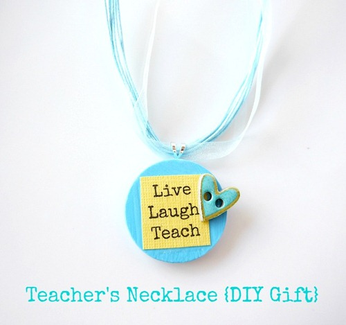 Teacher's Necklace {DIY Gift} by Everything Etsy