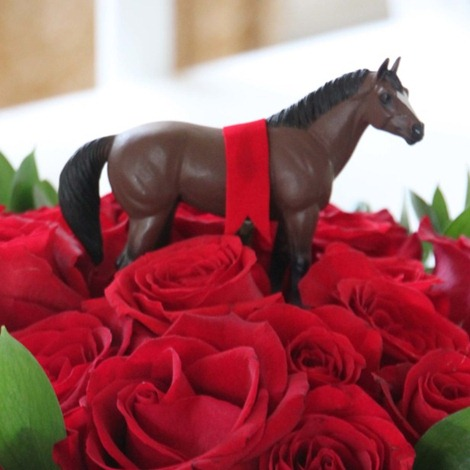 DIY Kentucky Derby Party Centerpiece