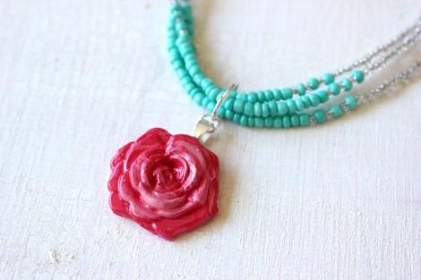 mod melt rose necklace