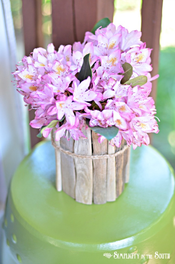 how-to-make-a-vase-out-of-driftwood