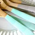 Homemade-Foodie-Gift-DIY-ombre-utensils_thumb.jpg