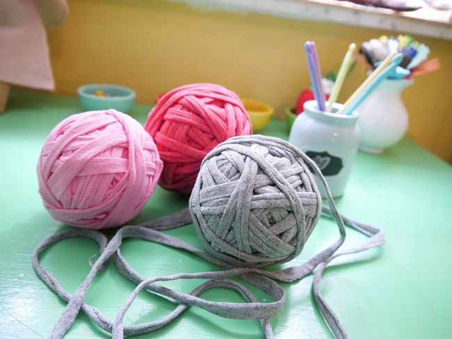 T-Shirt Yarn {DIY} - Make It!