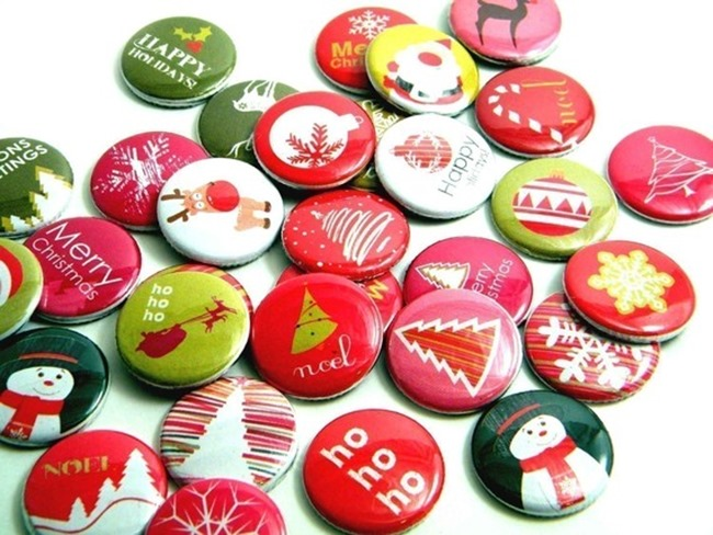 Buttons & Badges - holiday