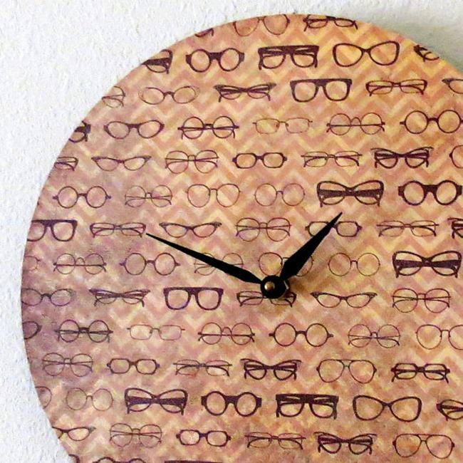 Shannybeebo Clock - glasses