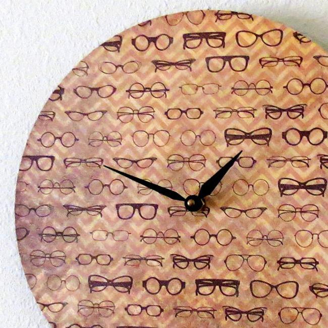 Shannybeebo Clock - glasses