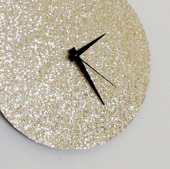 Shannybeebo Glitter Clock