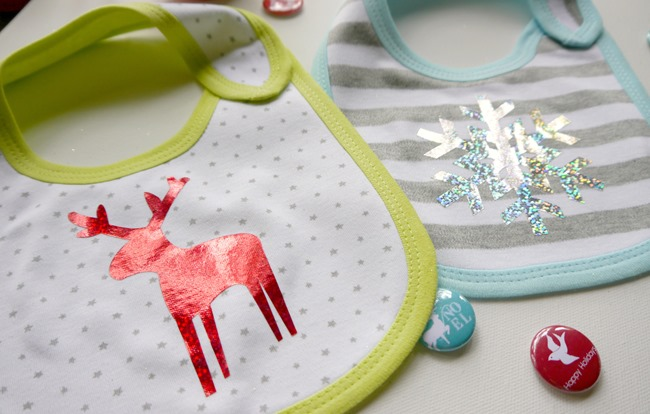 Holiday Baby Bibs  {DIY Gift} on EverythingEtsy.com
