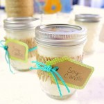 Homemade Soy Candles {DIY Gift}