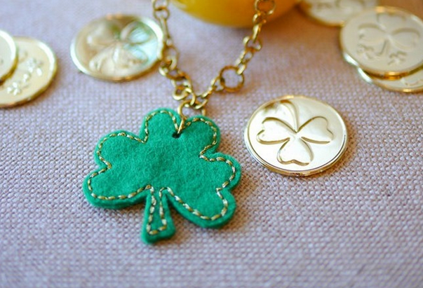 St. Patrick's Day Felt Shamrock Necklace Tutorial {Printable Pattern}