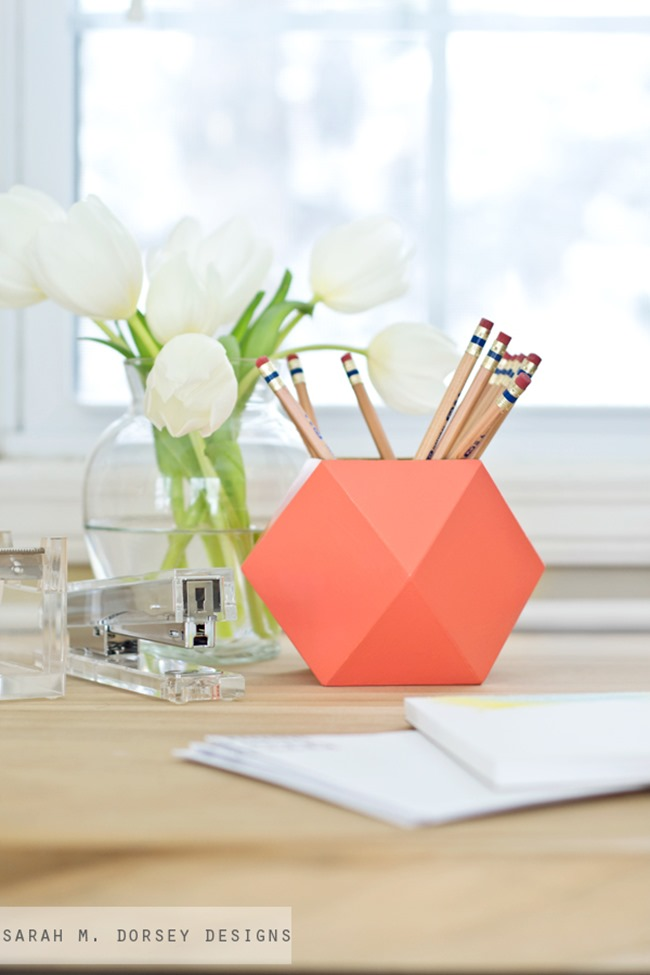 10 diy ideas to organize your desk Diy pencil holder for desk