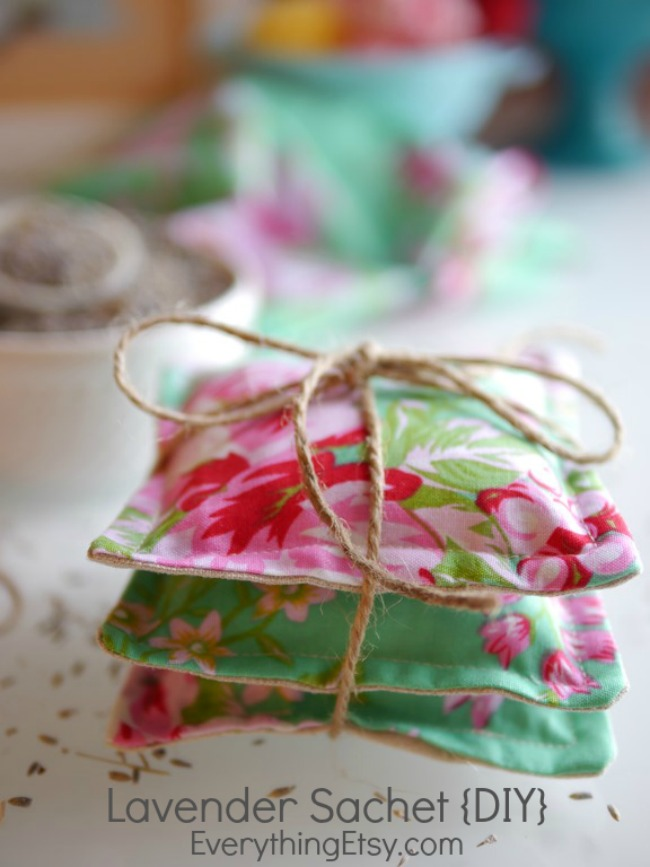 lavender sachet {DIY} on EverythingEtsy.com