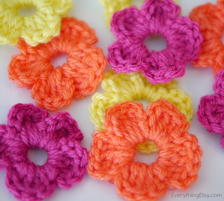 Crochet Yellow Flower Pattern : The Easiest Crochet Flower Pattern Ever!