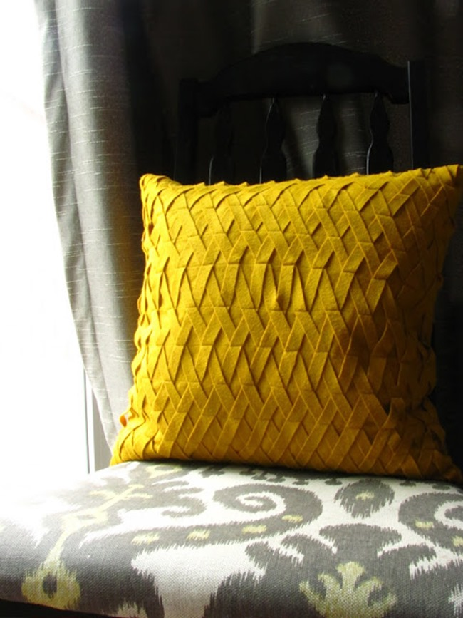 pillow tutorial - yellow