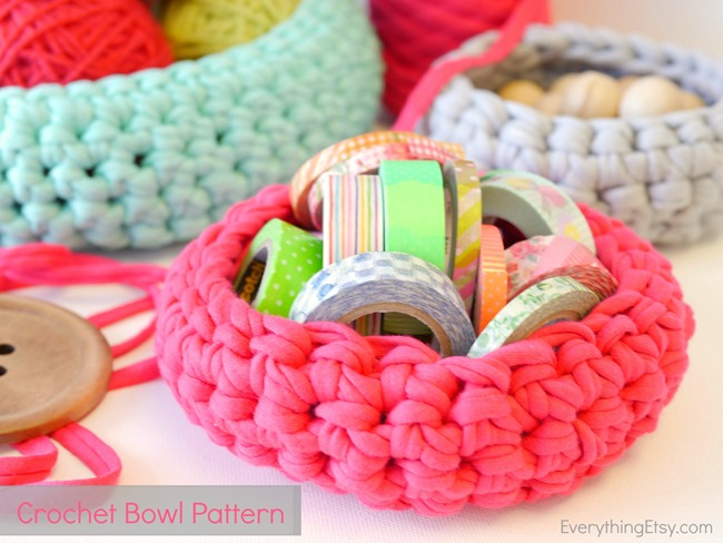 Free Crochet Bowl Pattern on EverythingEtsy.com - Visit for all the details!