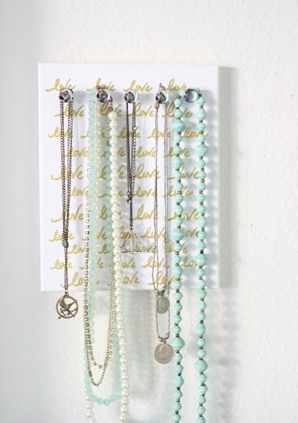 crafty ways to organize - necklace organizer