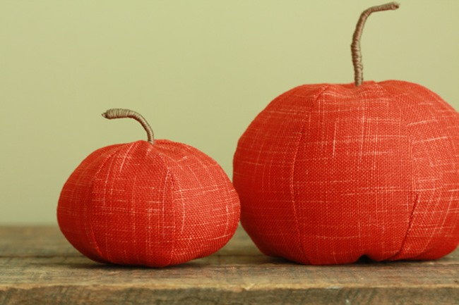 fall sewing tutorials - pumpkin pincushion