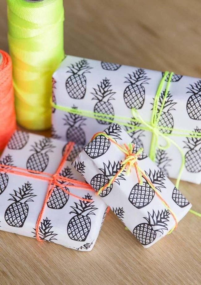 printable wrapping paper - pineapple