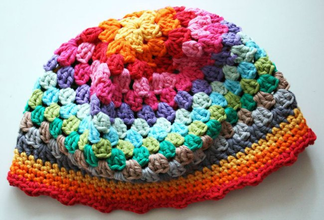 diy crochet rainbow hat