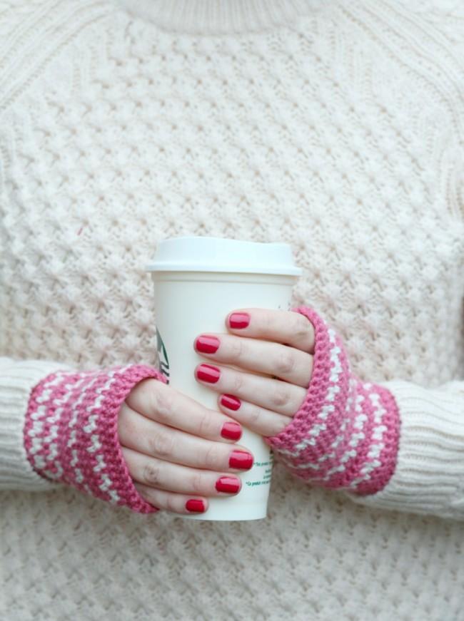 DIY Crochet handwarmer pattern - pink