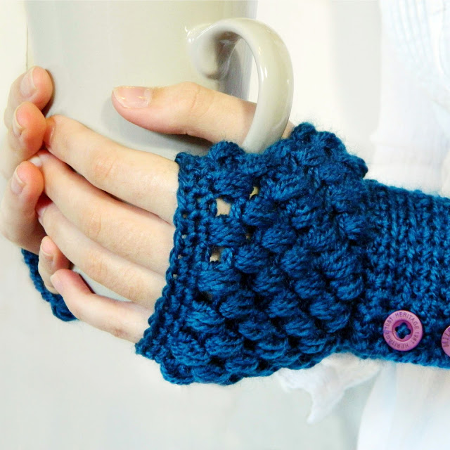 diy handwarmer pattern - blue