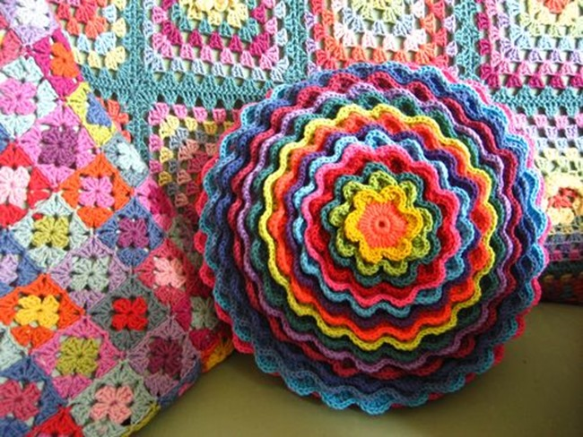 Crochet Pillow Patterns : spring crochet pattern - spring flower pillow