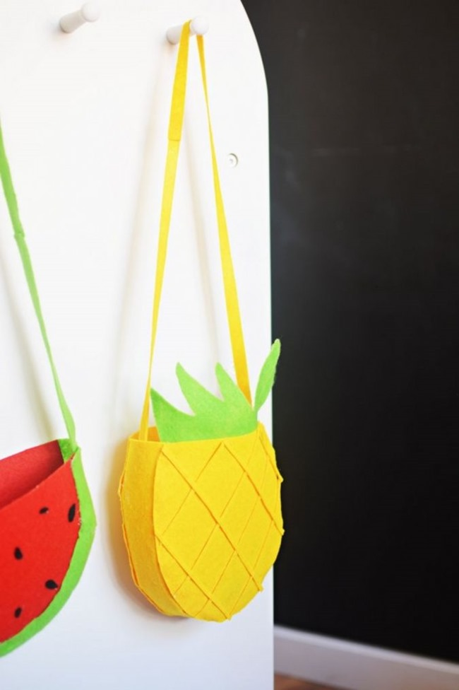 DIY Felt Pineapple Bags