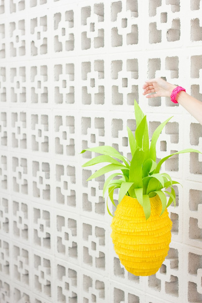 DIY Pinapple Pinata