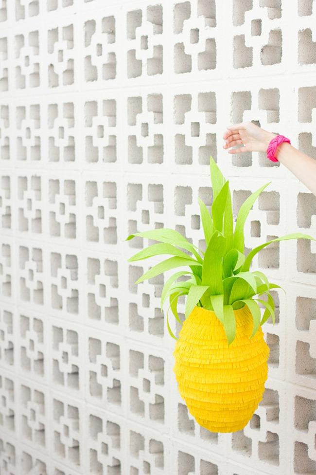 DIY Pinapple Pinata