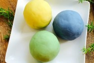 DIY-Play-Dough-Recipe-No-Cook-with-Essential-Oils-EverythingEtsy.com_.jpg