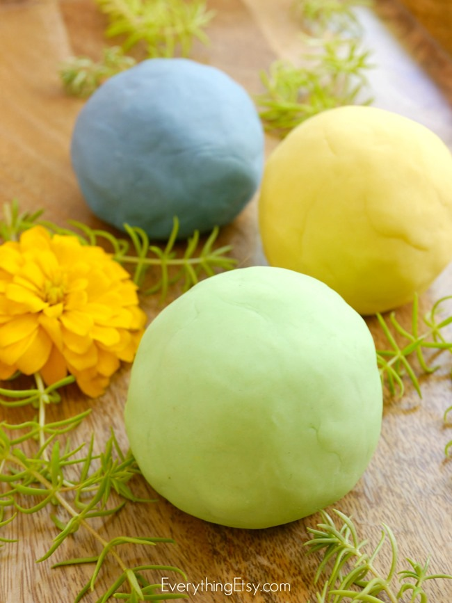 DIY Play Dough - doTERRA Essential Oil - EverythingEtsy.com