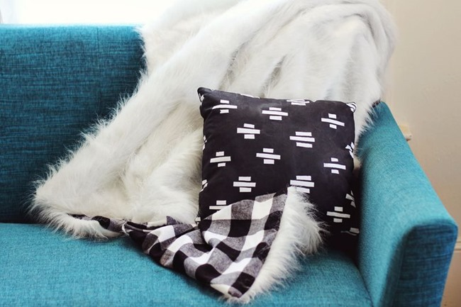 DIY Plaid Gift - Faux Fur and plaid blanket