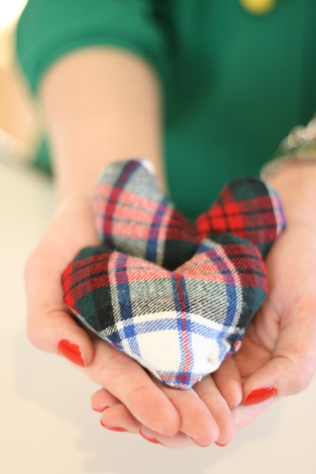 DIY Plaid Gift - handwarmers