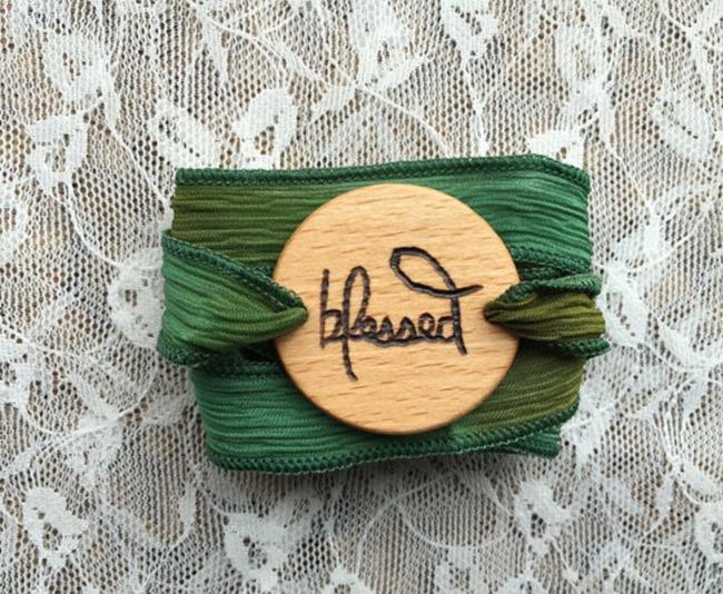 Essential Oil Jewelry - Ribbon difusser bracelet