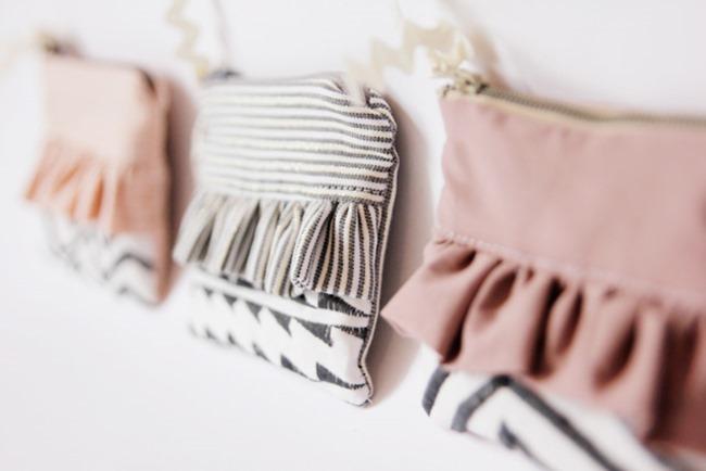 zipper ruffle pouch pattern