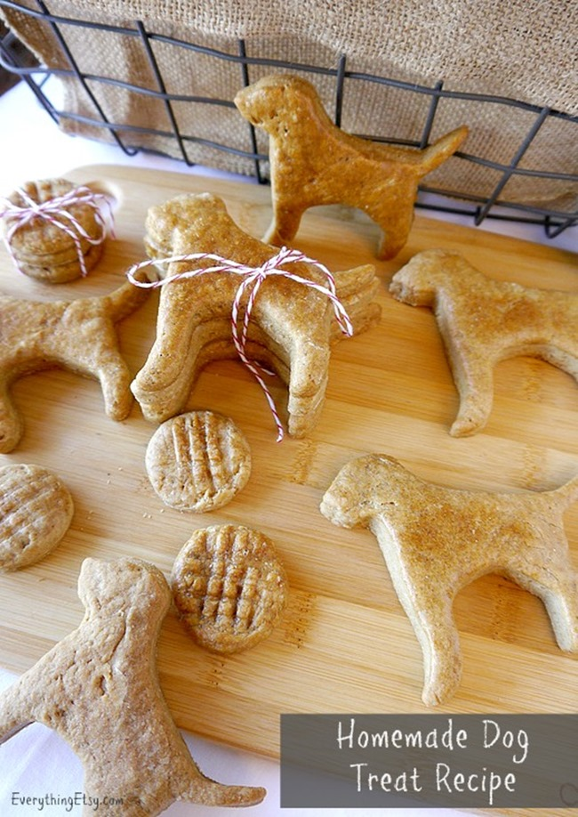 Homemade Dog Treat Recipe - Peanut Butter Cookies on EverythingEtsy