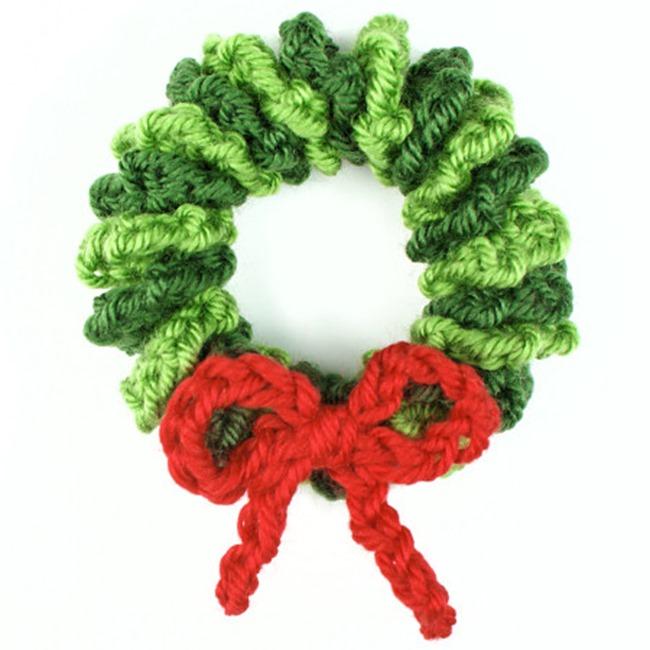 Christmas Crochet Patterns - Free Project Ideas! - Mini Wreath