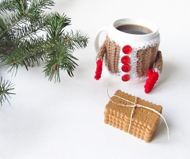 Christmas Crochet Patterns - Free Project Ideas! - Mug Santa